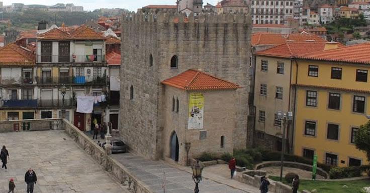 Torre de D. Pedro Pitões - Porto