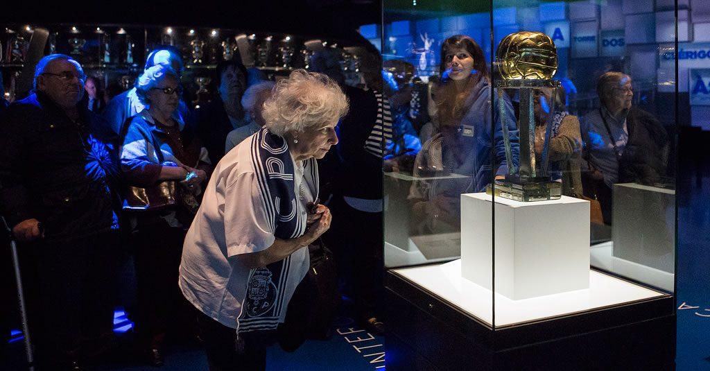 Seniores da cidade do Porto visitam museu e Estádio do Dragão
