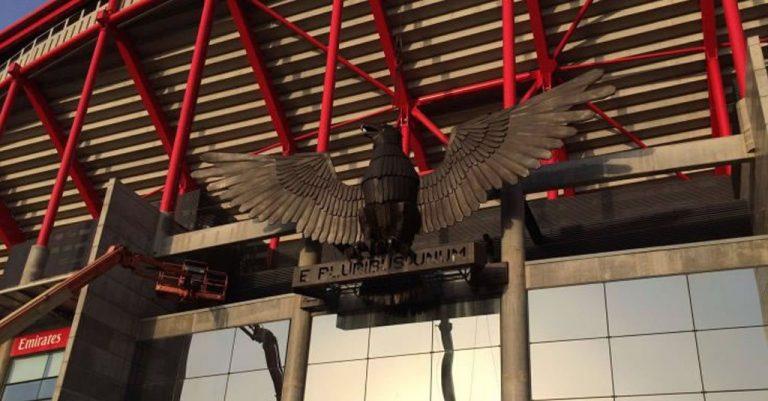 Qual o link oficial onde a Google confirma acordo com Benfica?