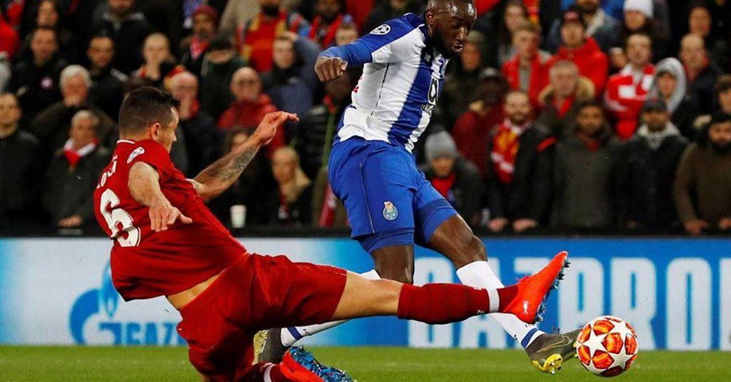 Liverpool-FC Porto 2-0, sorte, um penalti e vermelho a Salah por mostrar